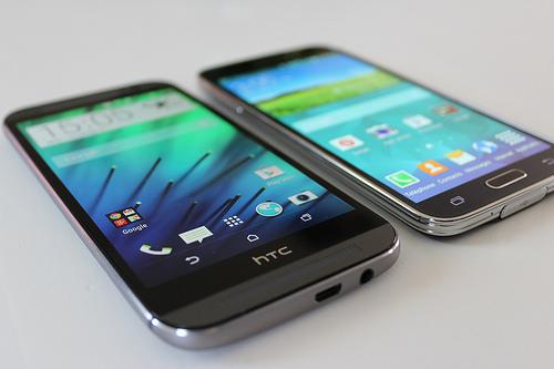 HTC One M8 ou Samsung Galaxy S5, le face à face en images!